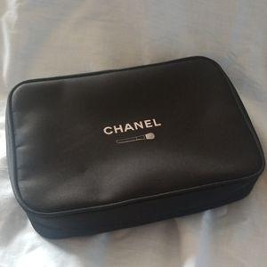 Chanel like new makeup brush organizer bag